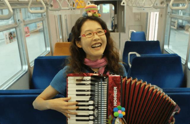 歌うように奏でるように ジャバラガールの空中散歩(3)