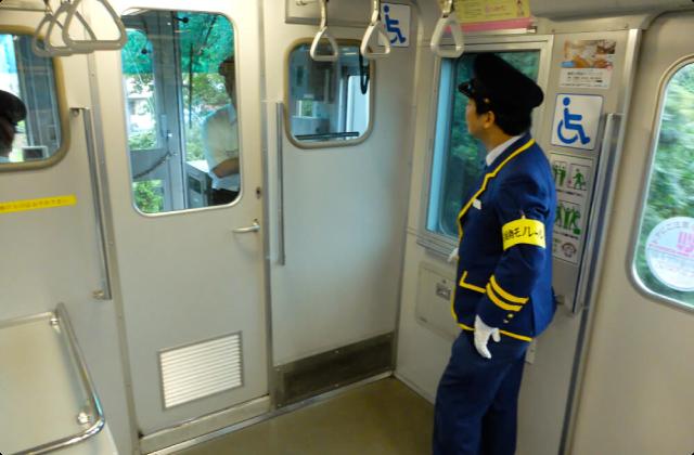 鉄道大好き芸人、レールがない鉄道に萌える(2)