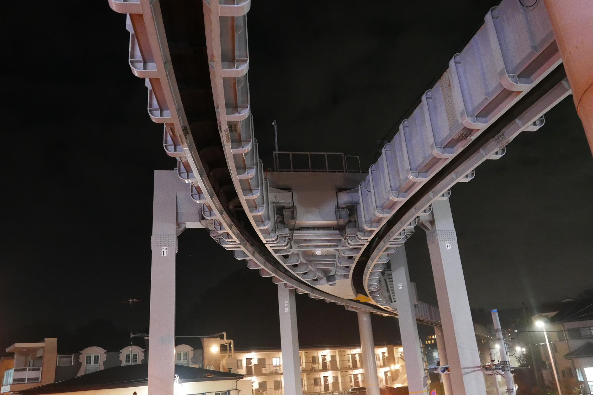 夜になると西鎌倉駅は