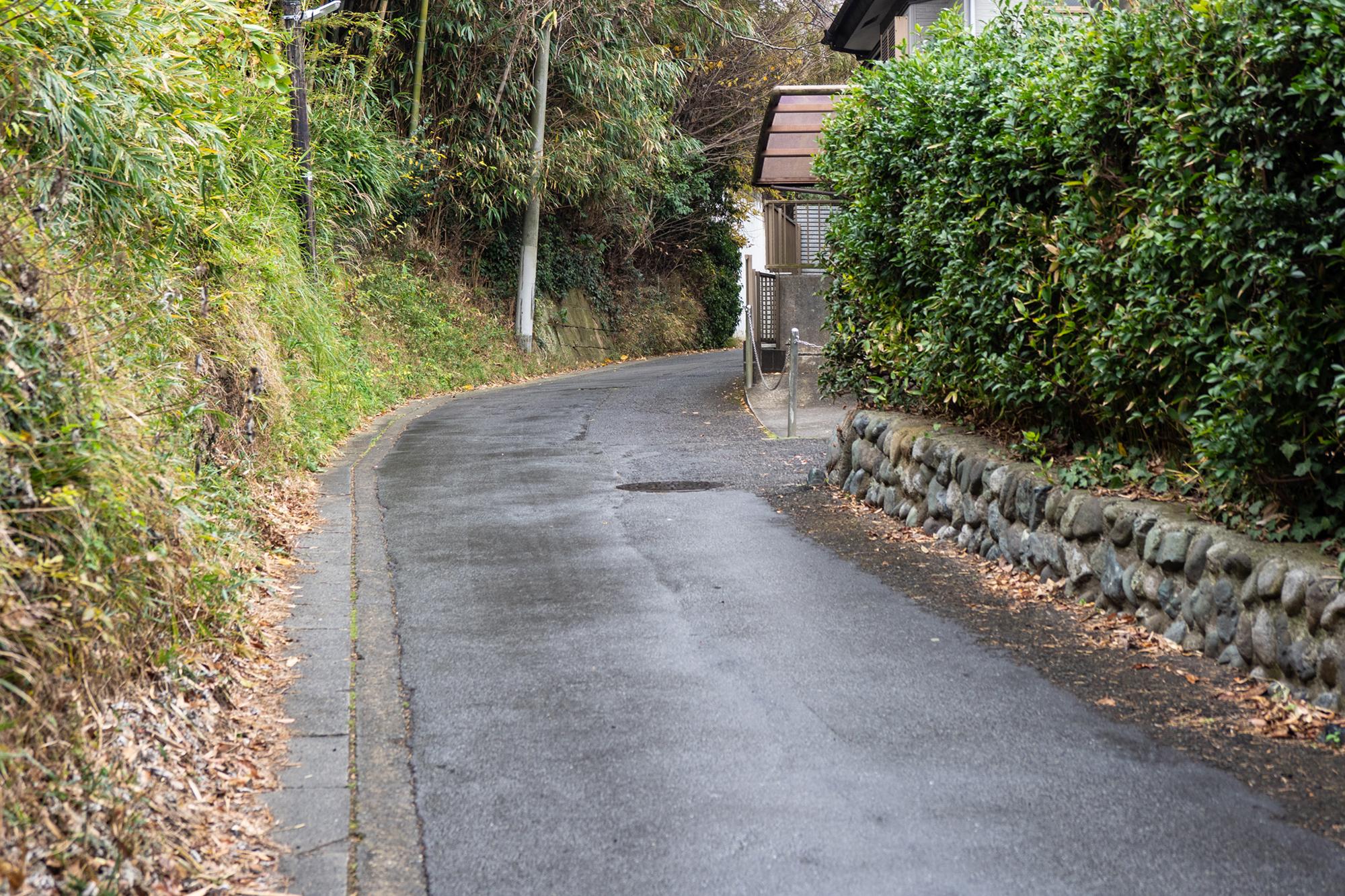 第2章|山の中の古道を富士塚へ向かう