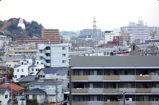 (2)「モノチラ」階段を探し歩き、街並みを眺望する。